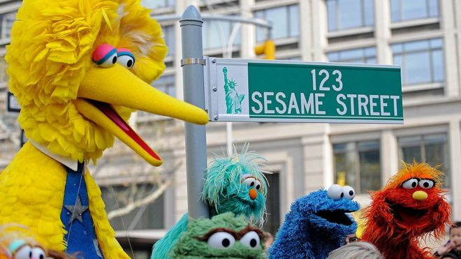 Big Bird and other puppets on 123 Sesame Street